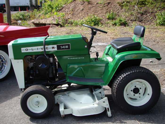 Lawn Mower Tractor >> Oliver – Keystone Tractor Museum